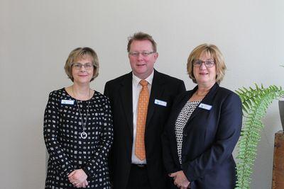 Von links: Frau Orscheschek, Herr Seidel, Frau Bärhold